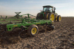 John Deere 2330 Mulch Finisher